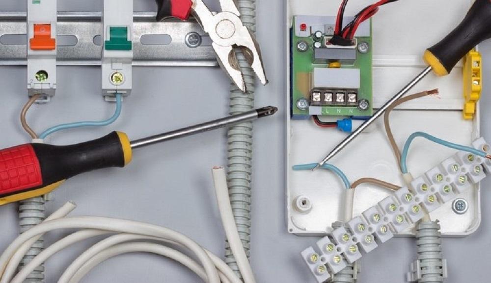 ¿Cuánto cuesta la instalación eléctrica?